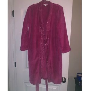 Ultra Robe (never used) Hot Pink Robe (Size S/M)